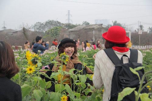 Vườn hoa Bách Nhật hút khách ngày xuân-5