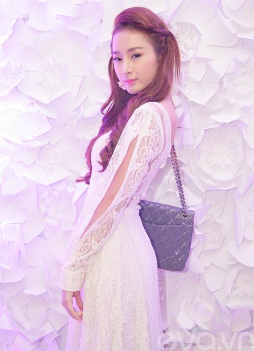 "angela phuong trinh lai ""trung tu"" nhan sac? - 3"