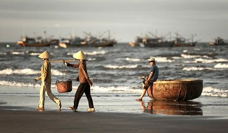 """Kỳ lạ tục """"chết chung hòm"""" ở làng biển Long Sơn-1"""