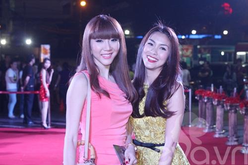 "dan ""my nhan ke"" khoe sac nuoc huong troi - 4"