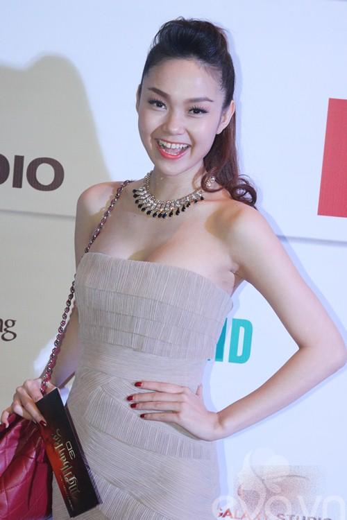 "dan ""my nhan ke"" khoe sac nuoc huong troi - 11"