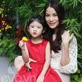 Làng sao - Trương Ngọc Ánh đẹp ngọt ngào bên con gái