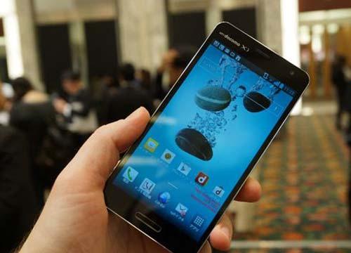 6 smartphone 'bom tan' cho nua dau 2013 - 4