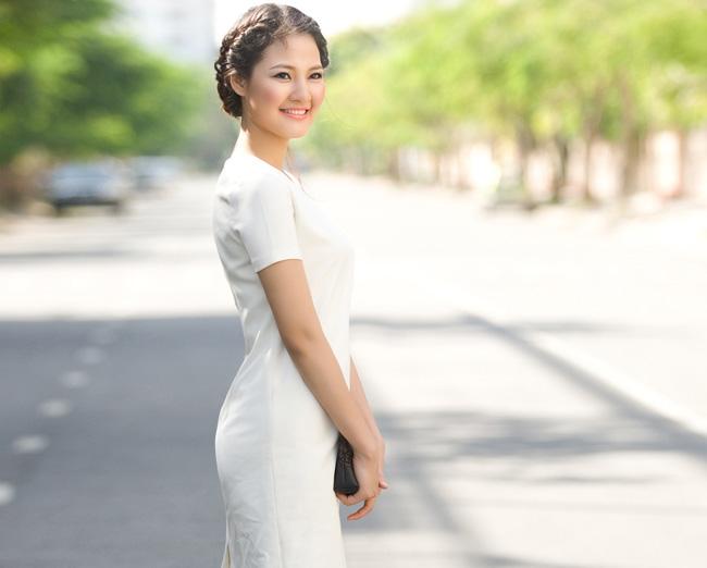 Trần Thị Quỳnh đã nỗ lực giảm 20kg ngay sau sinh 1 tháng để giữ vóc dáng thon thả như thời con gái.