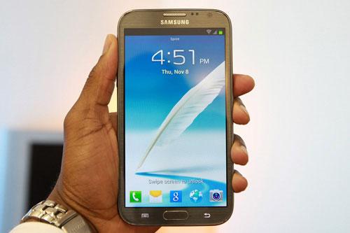 top 5 smartphone hang hieu man hinh sieu lon - 4