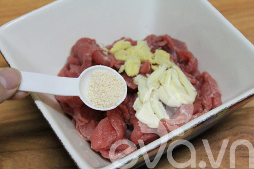 Ngon cơm với rau cần xào thịt bò - 2
