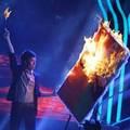 """Làng sao - NS Huy Tuấn bị """"đốt cháy"""" trên sân khấu"""