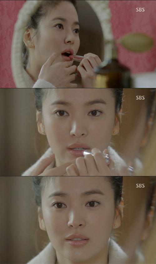 'thieu nu mu' song hye kyo cuon hut voi ao choang dat tien - 20