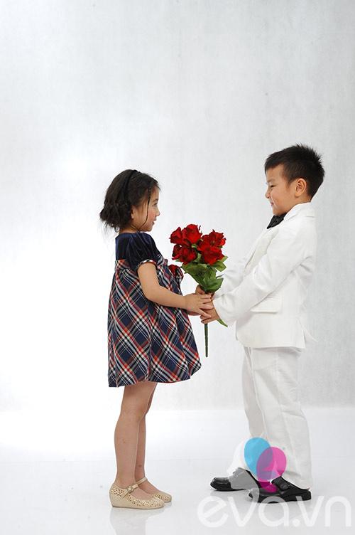 con trai a hau thu huong tang hoa ban gai - 3