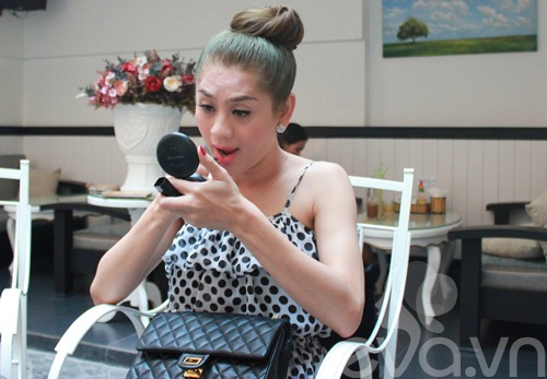 "lam chi khanh: viec ""chan goi"" cua toi binh thuong! - 4"