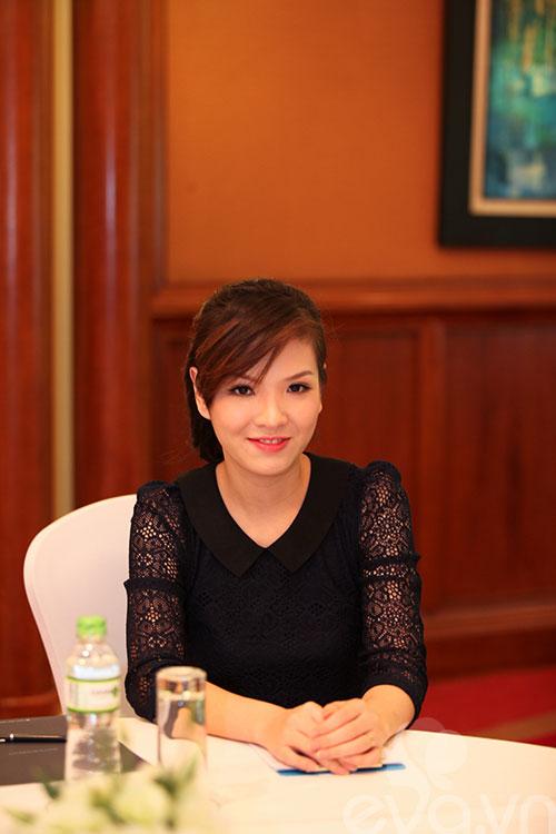 Đan Lê giản dị, Uyên Linh dính nghi án độn cằm-3