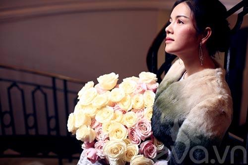 Lý Nhã Kỳ lãng mạn bên hoa hồng Pháp-2