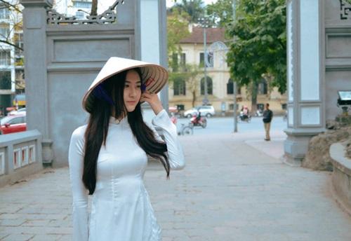 Ngắm hotgirl Hà Lade hóa nữ sinh Hà Nội xưa-11