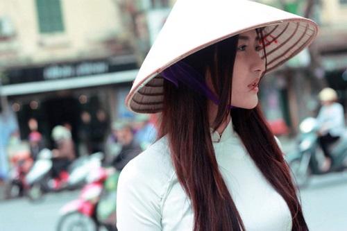 Ngắm hotgirl Hà Lade hóa nữ sinh Hà Nội xưa-13