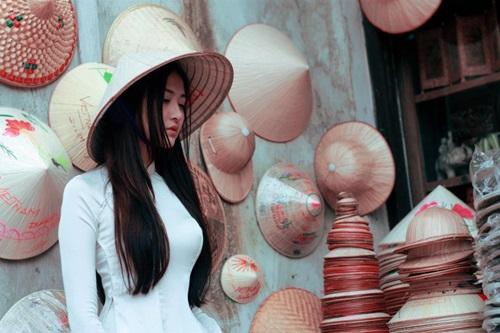 Ngắm hotgirl Hà Lade hóa nữ sinh Hà Nội xưa-2