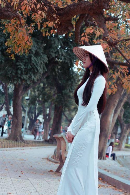 Ngắm hotgirl Hà Lade hóa nữ sinh Hà Nội xưa-5