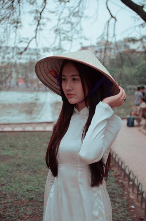 Ngắm hotgirl Hà Lade hóa nữ sinh Hà Nội xưa-7