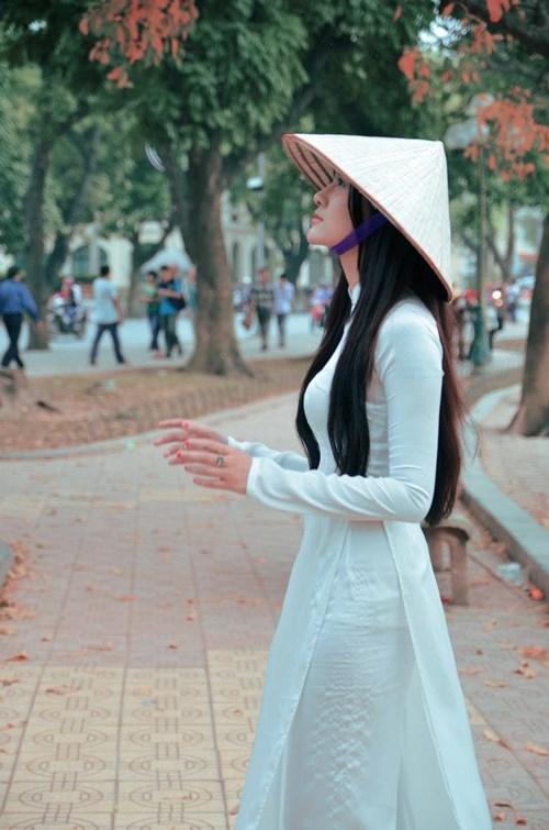 Ngắm hotgirl Hà Lade hóa nữ sinh Hà Nội xưa-9
