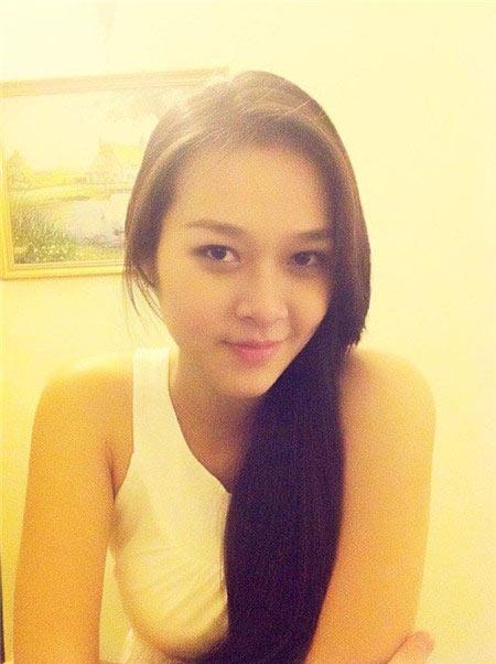 Hot girl Diệp Bảo Ngọc đã sinh con trai - 1