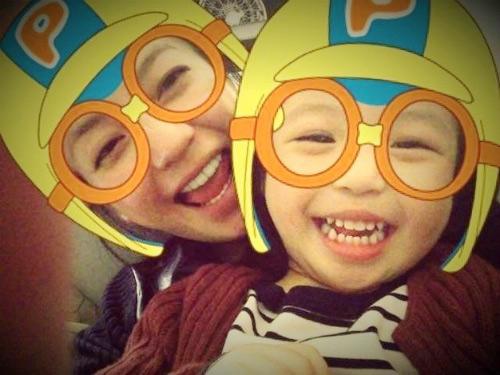 Hai bố con Huỳnh Tân mừng sinh nhật Triệu Vy-3