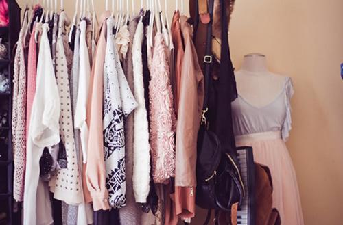 Thèm thuồng tủ quần áo của 10 blogger sành điệu-17