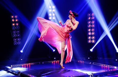 Bước nhảy hoàn vũ 2013: Ngọc Quyên hóa Đào Thị-2
