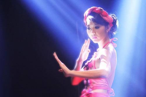 Bước nhảy hoàn vũ 2013: Ngọc Quyên hóa Đào Thị-1