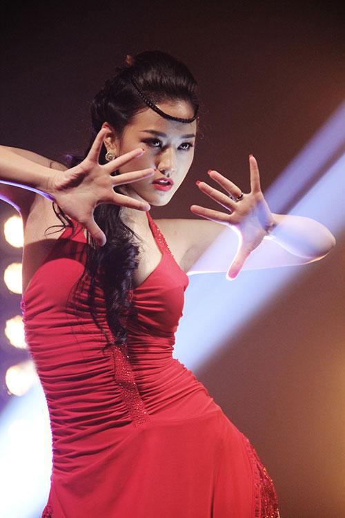 Bước nhảy hoàn vũ 2013: Ngọc Quyên hóa Đào Thị-4