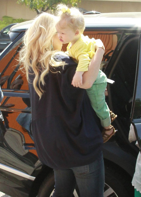 can canh con gai jessica simpson - 2
