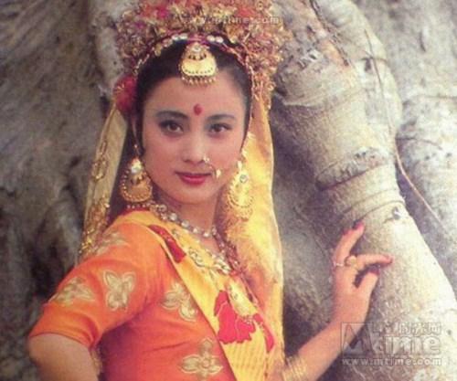cham diem nhan sac my nhan tay du ky - 5