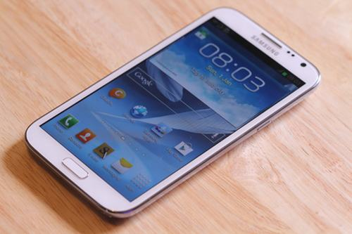 top 6 smartphone voi pin dung luong sieu khung - 2