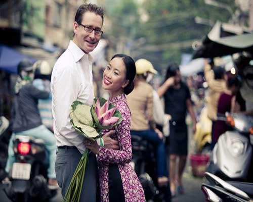 """muon ve hanh phuc khi sao viet """"cap ben tay"""" - 1"""