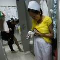 Làm mẹ - TQ: Ảnh chân thực về hút sữa ở công sở