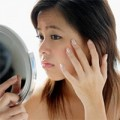 Làm đẹp - 8 tips cực hay xóa nếp nhăn quanh mắt