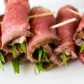 Bếp Eva - Bò nướng cuộn hành lá hấp dẫn