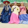 Làng sao - Ngọc Hân và bố mẹ xúng xính hanbok