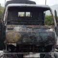 Tin tức - Taxi tải bốc cháy, 200 thùng bia nổ như pháo