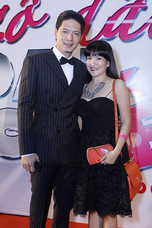 ban trai tay au yem lan phuong tren tham do - 9
