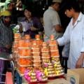Mua sắm - Giá cả - Người Sài Gòn giảm tối đa mâm lễ cúng ông Táo
