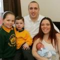 Bà bầu - SỐC: Đẻ rơi trong bồn cầu mới biết có thai