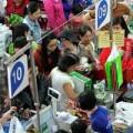 Tin tức - Người dân nghẹt thở đi siêu thị cuối năm
