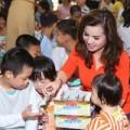 Làng sao - Quý bà Kim Hồng đi từ thiện cuối năm