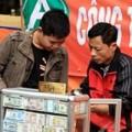Tin tức - Dịch vụ đổi tiền lẻ tấp nập tại đền Bà Chúa Kho