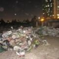 Tin tức - Dân chặn bắt xe tải đổ trộm hàng trăm bao chất thải