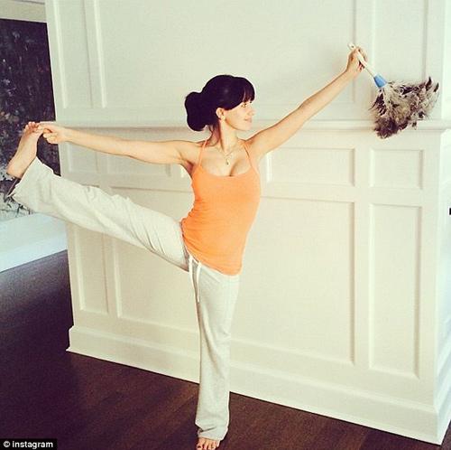 bien viec nha thanh dong tac yoga de dang - 3
