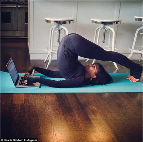 bien viec nha thanh dong tac yoga de dang - 8