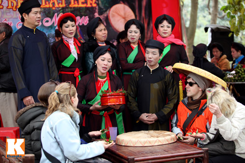 hang nghin nguoi no nuc tray hoi lim - 11