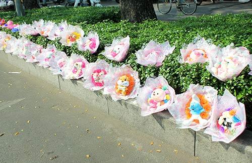 valentine: gia hoa tuoi thay doi tung gio - 6