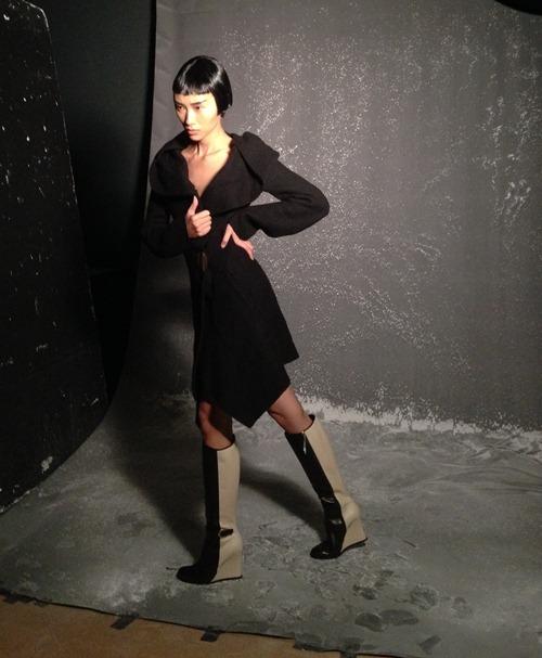 trang khieu tang toc truoc them london fashion week - 9