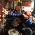 Tin tức - Chen lấn kinh hoàng tại lễ khai ấn Đền Trần